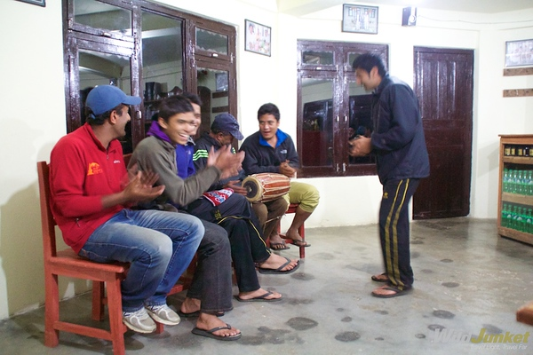 Nepali folkllore music with our porters